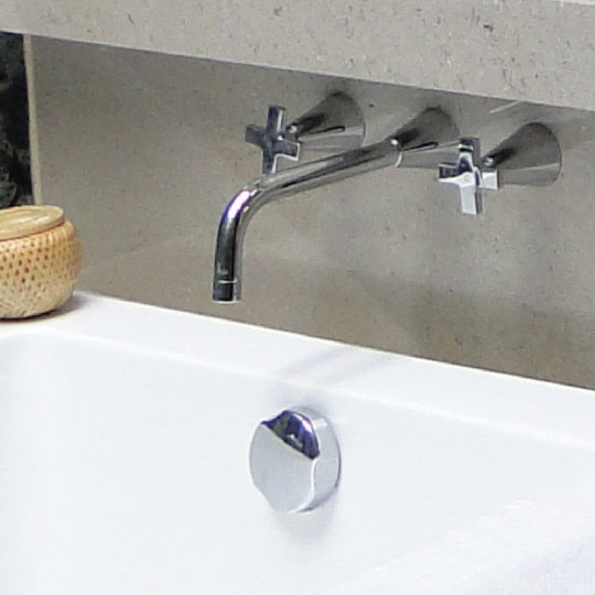 6874 Cone Faucet & showers