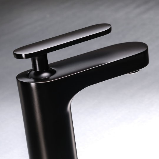6922 Charming Faucet & showers